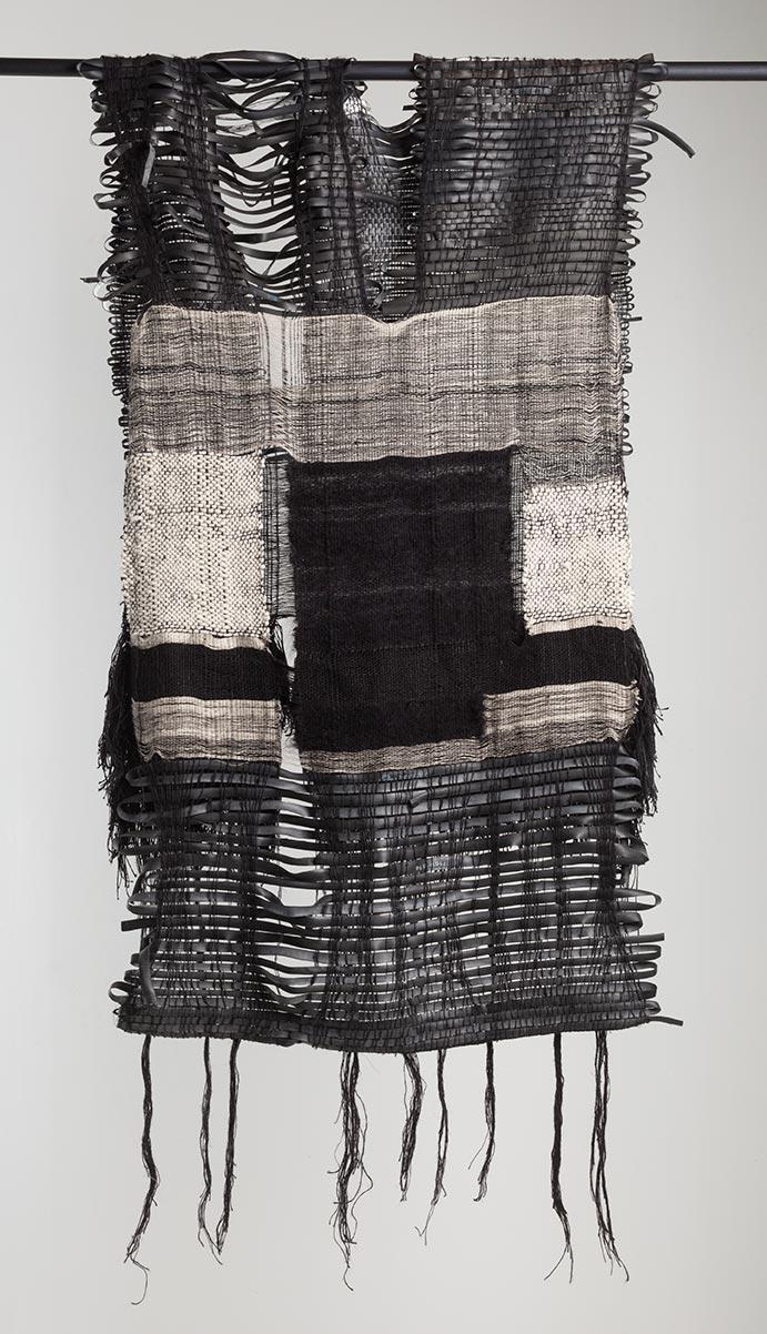 Jeanne Medina - Mutable Garment for Convergent Dimensions