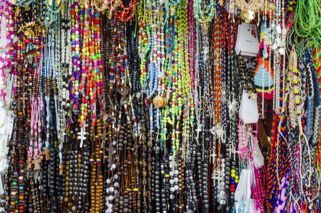 Ana V. Lardizabal - Latinoamérica y Sus Colores